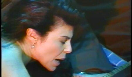 یک دختر درگیر در خالکوبی ادی فیلم پورن انال