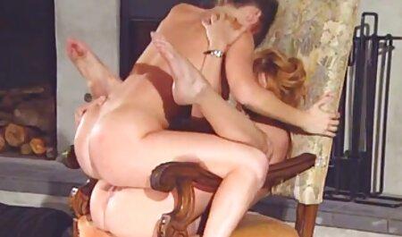 دختر, سکسی fucks در دانلود انال سکس بیدمشک او با استفاده از اسباب بازی کیر مصنوعی
